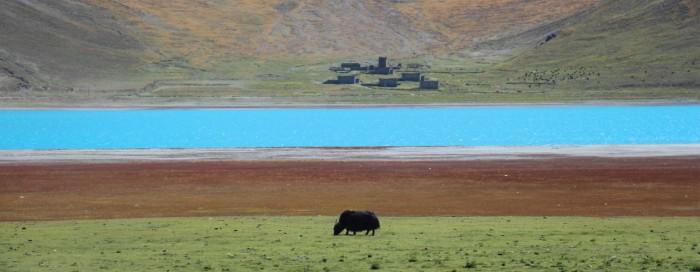 Tibetas krāsainās panorāmas