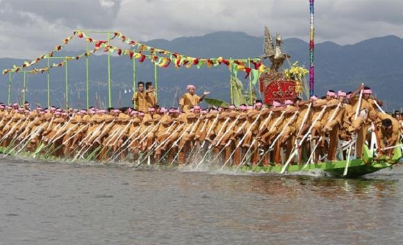 Inle-Phaung-Daw-Oo-Pagoda-Festival