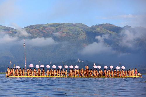Orange Festival Boat Passing Pagoda